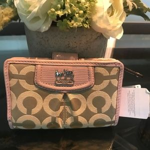 NWT Coach MADISON NEEDLE POINT OP ART Wallace
